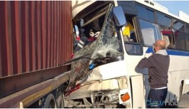 İşçi servisi kaza yaptı: 1 ölü, çok sayıda yaralı