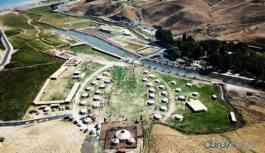 Koronavirüs bile durduramadı: Ahlat'taki yazlık saray inşaatı devam ediyor