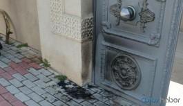 """Ermeni Kilisesi'ne ırkçı saldırı: """"Koronavirüsü bunlar bela etti"""""""