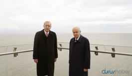 Erdoğan ile Bahçeli hatıra fotoğrafı çektirdi