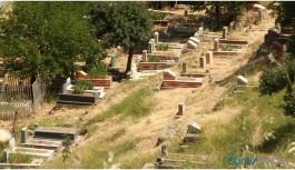 Mezarlıklar bu yıl boş kaldı