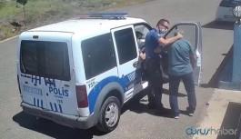 Polis 'masken yok' diye ceza kesmek istediği öğretmenden 'sende de yok' yanıtı alınca olay çıktı