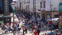 Bu şehirde 'normalleşme süreci' hızlı başladı: Vaka sayısı sıfır diye vatandaşlar sokağa döküldü