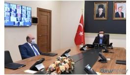 Diyarbakır Valisi AKP'li başkanların toplantısını yönetti