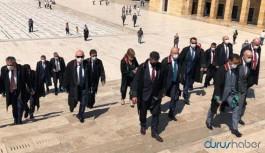 Avukatlar darp edilirken TBB Başkanı Feyzioğlu Anıtkabir'de