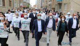 """""""Darbeye karşı demokrasi yürüyüşü""""ne Tatvan'da polis müdahalesi"""