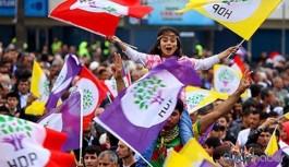 'Darbeye karşı demokrasi yürüyüşü'nün Hakkari kolu alkış ve zılgıtlarla başlayacak