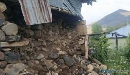 Depremzedeler: Çadır verilmedi, evlerimize giremiyoruz