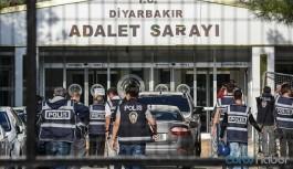DTK soruşturması kapsamında gözaltına alınan 16 kişi adliyeye sevk edildi