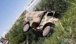 Askeri araç devrildi: 1'i ağır 5 asker yaralı