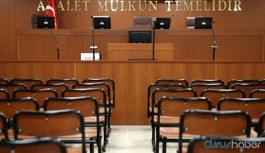 Dosyadan haberdar olmayan hakimin 'reddetse de kurtulsak' dediği duruşmada savcı da uyudu