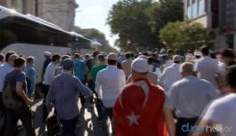 Kalabalık polis bariyerini yıktı, tekbirler ile Ayasofya'ya koştu