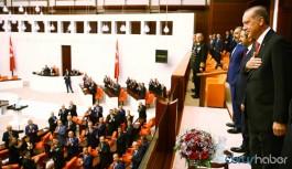 Meclis'te 15 Temmuz töreni: Kur'an ile başlıyor namaz ile bitiyor