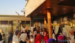 Yürüyen Köşk'te AKP'li vekil adayının kızının kına gecesi yapıldı
