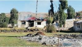 Kavgaya karışan ailenin evleri ateşe verildi