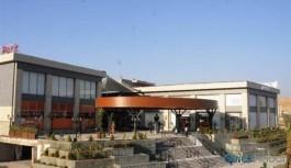 Kentte yeni açılan AVM'de Kürtçe yasağı