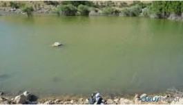 Kızılırmak'a giren 2 çocuk boğuldu, baba kayıp