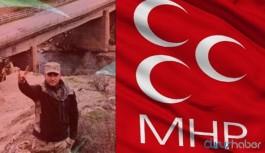 Musa Orhan'ın 'bozkurt' işaretli fotoğrafına MHP'den açıklama