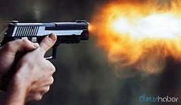 Adliye önünde silahlı saldırı: Ölü ve yaralı var