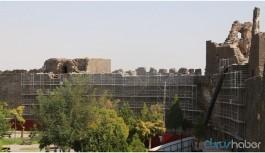 Diyarbakır Surlarında insan iskeletleri bulundu