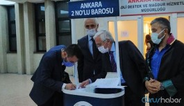 Ankara'da yeterli imza toplayamayan ikinci baronun stant açmasına tepki: 'Kartondan baro'