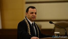 AYM Başkanı Zühtü Arslan'dan 'Işıklar yanıyor' açıklaması