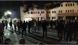 Hakkari'de 2 tutuklama: Baygınlık geçiren kişi hastaneye kaldırıldı