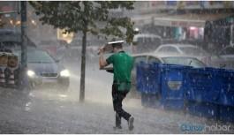 İstanbul'da yağış yaşamı felç etti