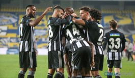 Beşiktaş 15 yıl sonra Fenerbahçe'yi Kadıköy'de yine aynı skorla yendi