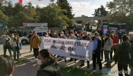 Ödenmeyen haklarını isteyen BİMEKS işçileri gözaltına alındı