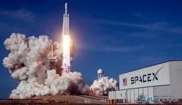 SpaceX uzaya tek seferde 143 uydu fırlattığını duyurdu