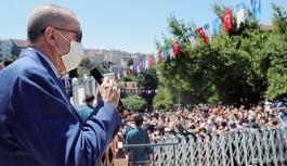 Erdoğan: Üsküdar Belediyesi önünde...