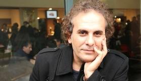 Kürt şair görevinden ihraç edildi
