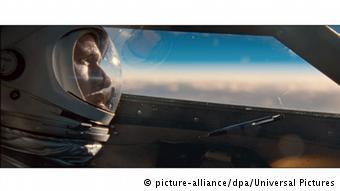 """""""First Man"""", Ay'a ilk ayak basan insan olan Neil Armstrong'un hikayesi"""