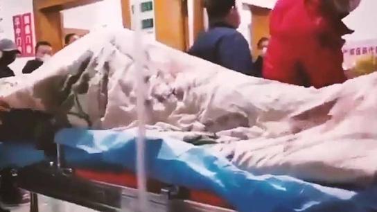 Corona virüsü bulaşan hastanın kriz anı! İşte dehşet veren görüntü!